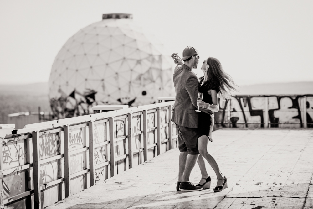Fran-Burrows-funky-wedding-teufelsberg-Berlin (38)