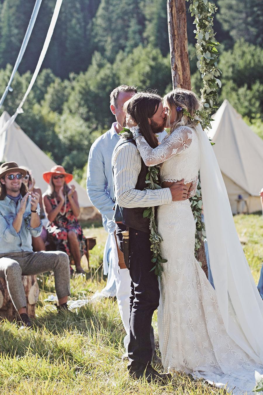 mariage-festival-coachella-funky-wedding (28)