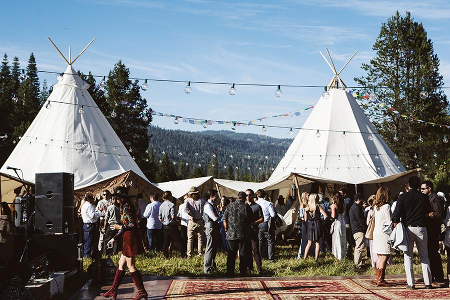 mariage-festival-tipis-boho-funky-wedding (34)
