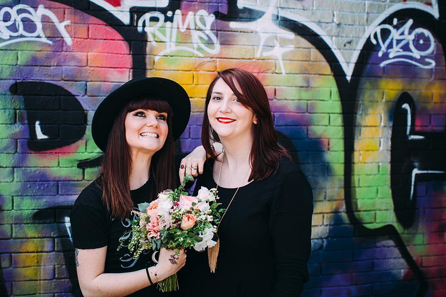 comment bien poser sur ses photos de mariage