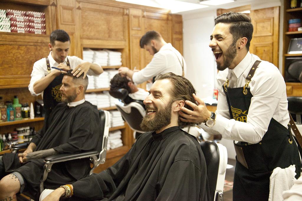 préparatifs marié chez Barbier tonsor toulouse