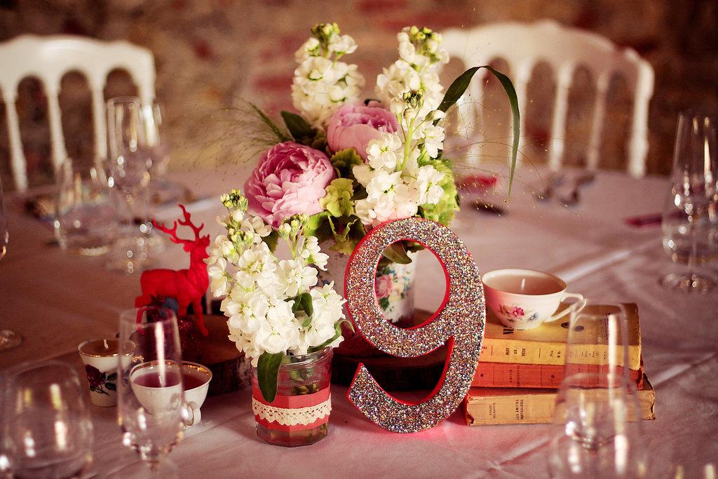 6 l ments de d co acheter apr s no l pour ton mariage funky wedding. Black Bedroom Furniture Sets. Home Design Ideas