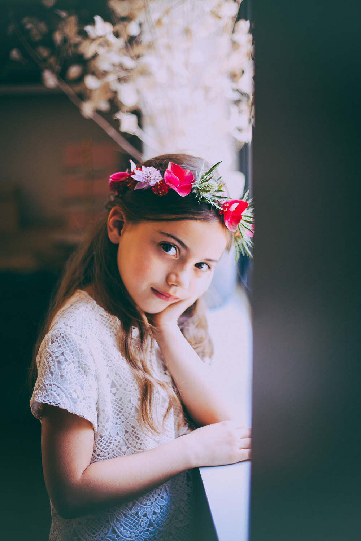 5 coiffures fleuries pour petites demoiselles d 39 honneur - Coiffure pour demoiselle d honneur ...